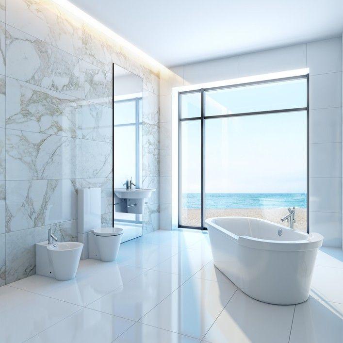 Große helle weiße badezimmer gestaltung