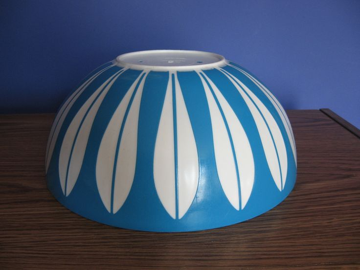 Deka plastic lotus pattern bowl.