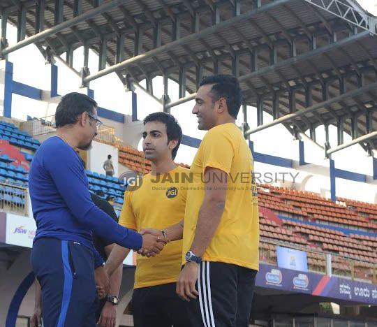 Dr. Chenraj Roychand - President, Jain University with Cueist Pankaj Advani and Robin Cricketer Uthappa