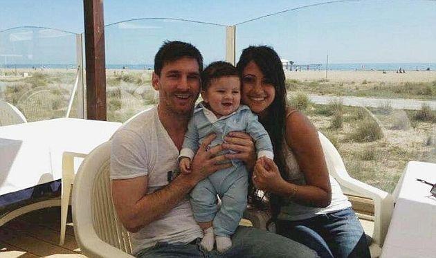 Messi presenta en sociedad a su hijo
