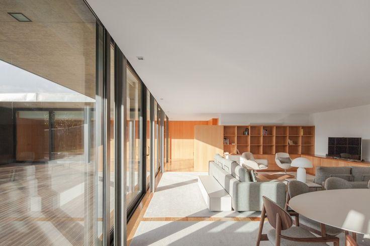House in Mosteiro / Arquitectos Matos