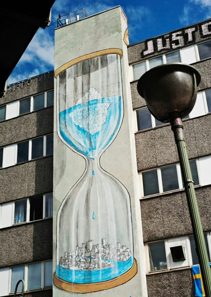 The graffiti and street art on this list is perfect for spreading messages . Powerful Street Art Pieces That Tell The Uncomfortable Truth. Street Art Utopia, Street Art Graffiti, Graffiti Banksy, Bansky, Urban Street Art, Urban Art, Urbane Kunst, Amazing Street Art, Chalk Art