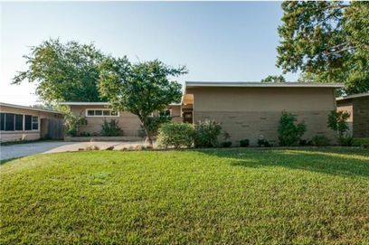 I couldn't believe the price on this--Mid-Century Modern home, with lots of light and Very livable floor-plan.       Mike Bryant - Realtor - Lic#0616386 - Ebby Halliday - TX
