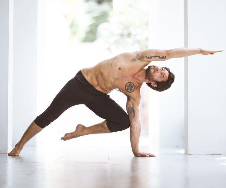 @diceyoga in the #AloYoga High Waist Extreme Warrior #yoga #inspiration