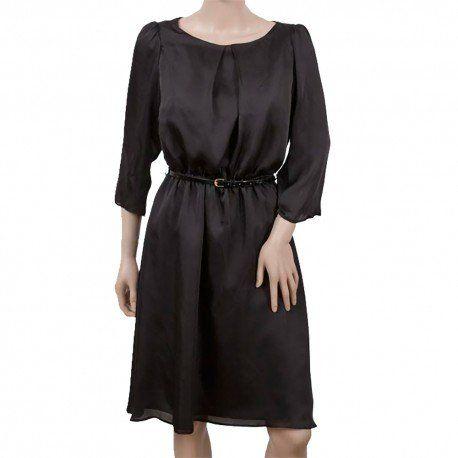 Vestido negro de satén de manga tres cuartos con cinturón.Material(es) 100% Poliéster.Forro 100% Poliéster.Color(es) Negro.