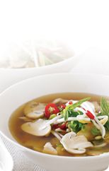 Hot and sour mushroom chicken soup
