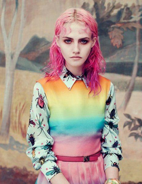 seapunk Волосы окрашиваются в синие, зеленые, розовые цвета, чтобы получился эффект выцветших на солнце волос.