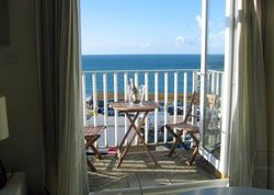 Surf's Up & Wave, a self-catering in St Ives, England. Overlooking the Tate, Porthmeor beach and St Ives harbour, 2 chic apartments, a fairytale turret, balconies with nautical views. http://www.sawdays.co.uk/self-catering/britain/england/cornwall/surf-s-up-wave  #sawdays