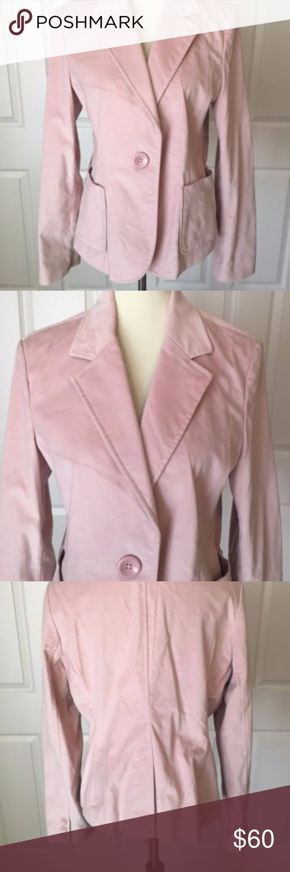 """Sale 🌸NWT Gap Pink Peacoat Plus Size 16 last drop NWT Gap Women's Peacoat  Powder Pink Plus Size 16  Soft Shell Fully Lined One Button front closure Retail price $198  Beautiful jacket, new with tags! Fully lined in floral print.   Armpit to armpit: 20"""" Length: 24"""" GAP Jackets & Coats Pea Coats"""