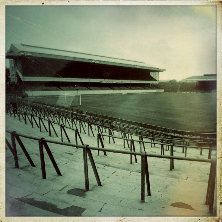 Wimbledon Stadium Lights: 97 Best Images About Old Football Grounds On Pinterest
