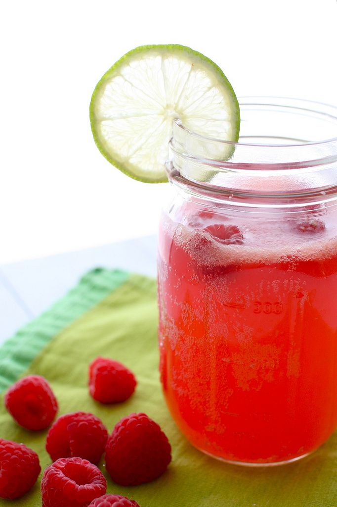 raspberries= one of my favorite fruits  cherry limeades= one of my favorite drinks  ...put them togetherrrr yummmmm!!