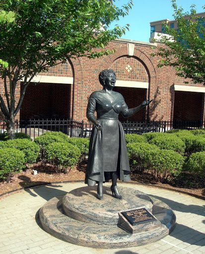 Garden Statues Yonkers: Statue Of Ella Fitzgerald In Yonkers, The City In Which