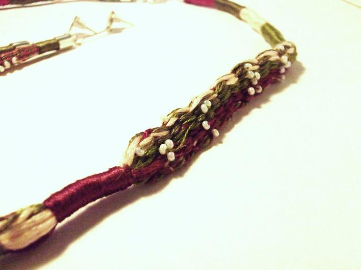 Braided Necklace Detail/Detalle de collar trenzado