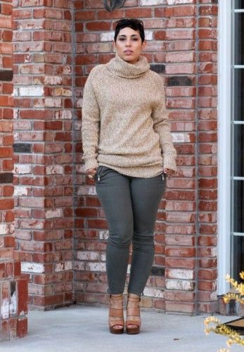 an oversized sweater with skinnies, Plus Size Street looks by Mimi G http://www.justtrendygirls.com/plus-size-street-looks-by-mimi-g/