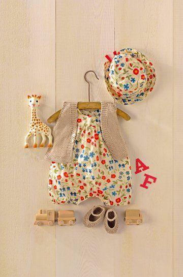 Des vêtements pour bébé en tricot et tissu Liberty®