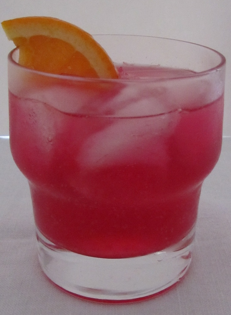 AperiMorgia:  - 5cl Campari soda;  - 2,5 cl La Morgia;  - 1,5 cl Succo di Lime (o Lemonsoda)  - Ice