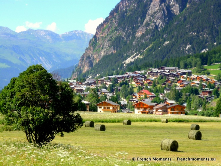 A picturesque rural landscape in the French Alps, village of Pralognan-la-Vanoise. // Un paysage rural pittoresque dans les Alpes françaises : le village de Pralognan-la-Vanoise. http://www.frenchmoments.eu/?p=1173