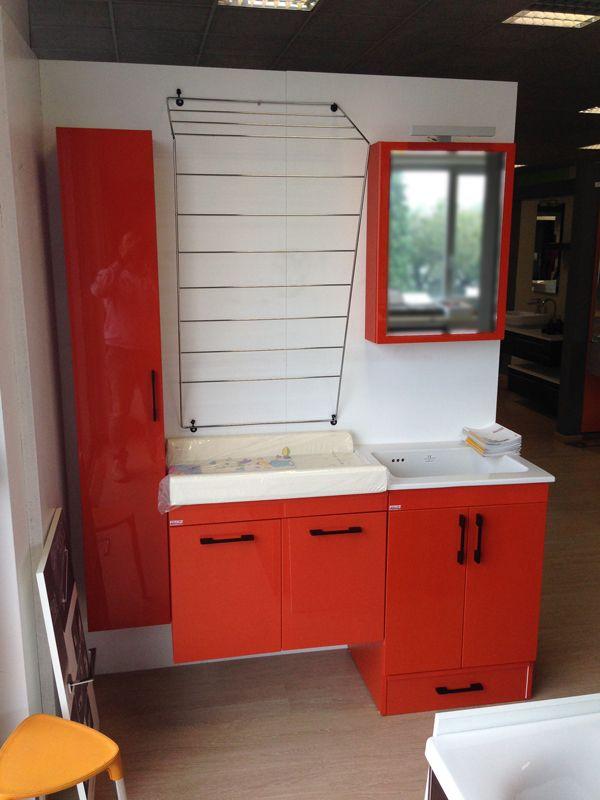 NancoPiù orange color at Ghielmetti Expo. The perfect representation of the functional bathroom.