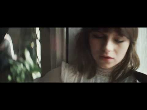 GABRIELLE APLIN/ガブリエル・アプリン - Panic Cord(字幕付) - YouTube