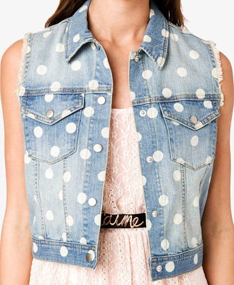 Polka Dot Denim Vest... Easy DIY idea. Just pick up a denim vest and the fabric paint with the circle at the end.