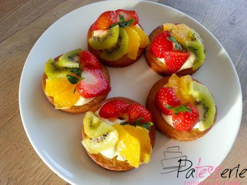 """<input class=""""jpibfi"""" type=""""hidden"""" ><p>Fruittaartje van Frivolité deeg Vroeger hadden we op zondag vaak van die lekkere luxe koeken van de bakker bij de koffie. Een brosse koekbodem, amandelsvulling erin en dan een abrikoos erop, of boerenjongens. Die varianten moet ik zelf ook maar eens proberen, maar ik ben al heel blij dat ik …</p>"""