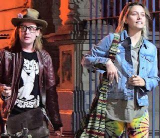 海外セレブスナップ | Celebrity Style: 【パリス・ジャクソン】仲良しのGFマコーレ・カルキンとボーホールックでジャズナイトへ!