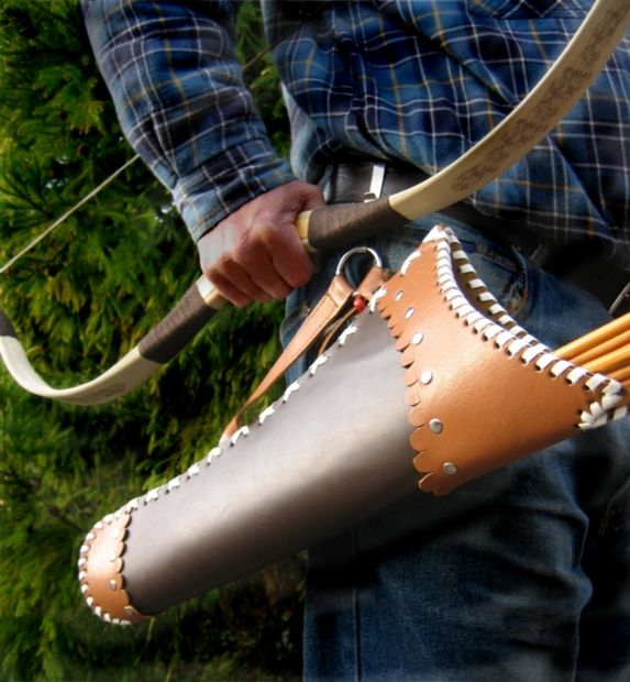 SALE SALE SALE SALE WAS pound 39 99 NOW pound 35 99 LEATHER HIP QUIVER Nice brown stiff leather hip quiver in an Eastern style holds at least 12