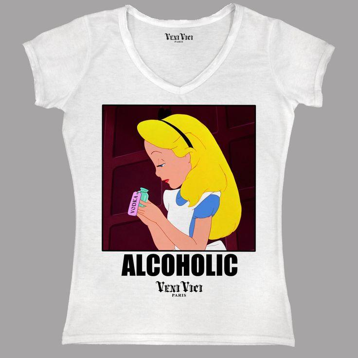 """""""Un monde où les choses seraient justement ce qu'elles ne sont pas."""" A la vue de ce tee shirt floqué, on comprend mieux les méditations et les hallucinations d'Alice."""