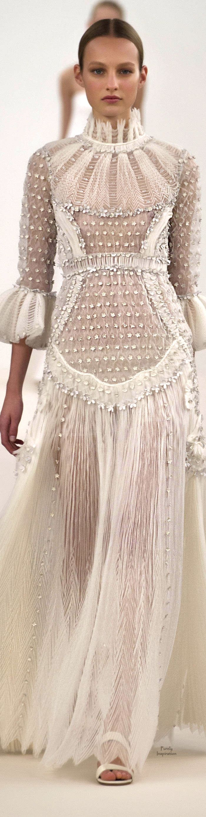 Valentino New York Haute Couture Fashion Show 2014. Help it looks like Queen Elizabeth the First wore this.... in not a good way