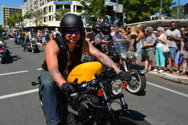 Residents turn out on the Esplanade for the Thunder Run and Show and Shine at the 2014 Australian HOG Rally in Cairns. Read all about it at http://motorbikewriter.com/hog-rally-success-story/