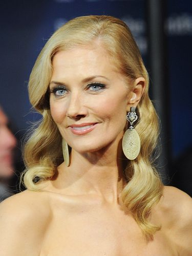 Joely Richardson with Veronica Lake inspired hair