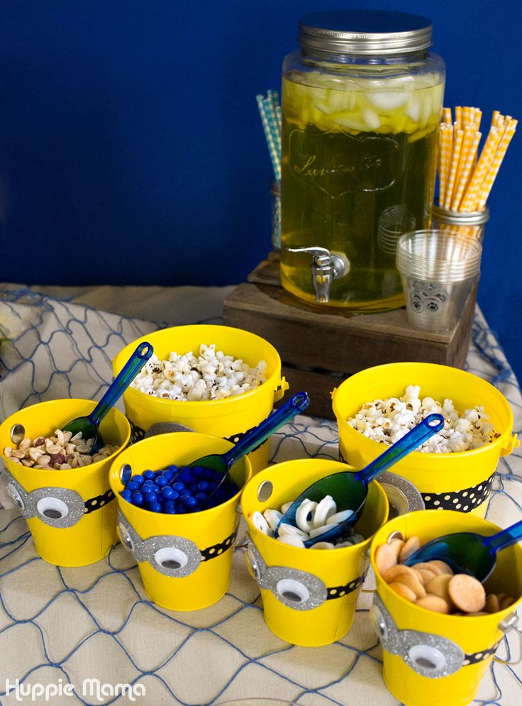 best 25 minion party ideas on pinterest minion party. Black Bedroom Furniture Sets. Home Design Ideas