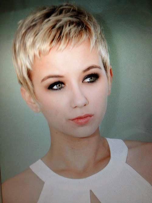 Cute Boyish Haircut Fashionable Ladies 3dacd__Cute-Short-Bl