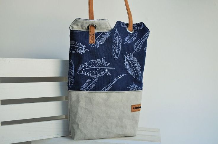 Hallo liebe Stoffefreunde,   seit ich dieses Schnittmuster:    http://www.designsponge.com/2010/10/diy-project-renskes-minimalist-tote-bag.html    beim Stöbern bei Pinterest gefunden habe, steht die Tasche ganz oben auf meiner...