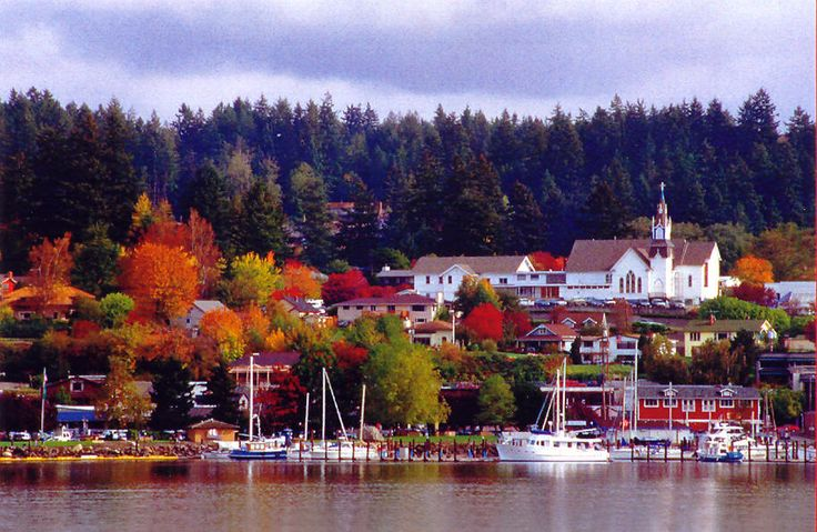 poulsbo, wa   Fall colors overlooking Liberty Bay in Poulsbo