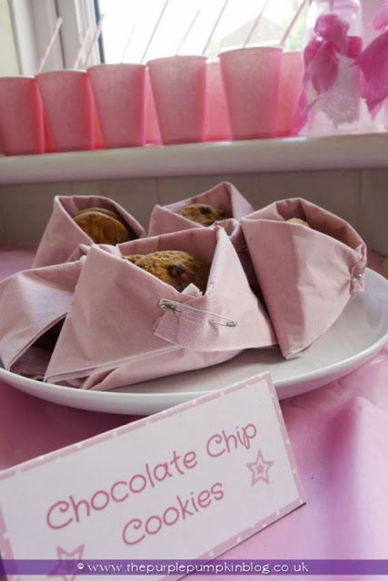 ~Folded Nappy Napkin Snack Holders for a Baby Shower at The Purple Pumpkin Blog~