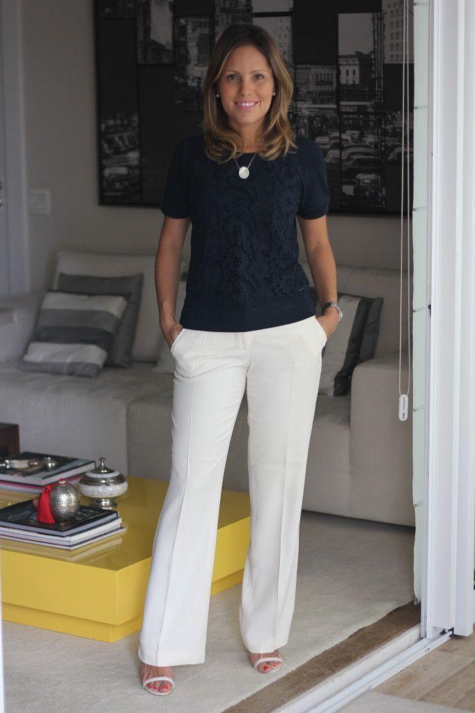 Look do dia trabalho chris castro pérolas calça creme le lis blanc blusa marinho abercrombie 2