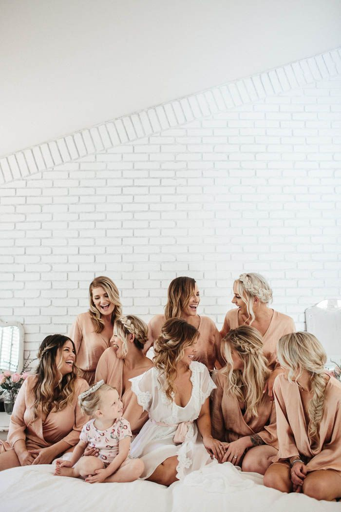 braids galore for this bridesmaid squad | Image by  Hanna Photography