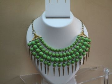 Green and gold combo necklace for women.