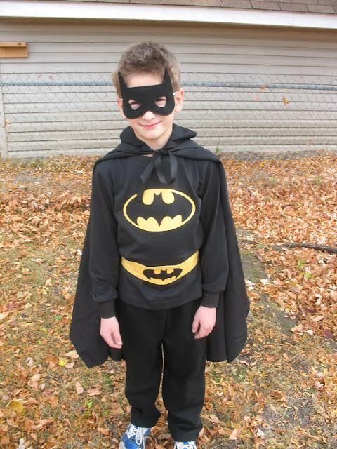 DIY Superhero Costume : DIY Batman Costume