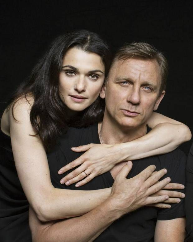 Daniel Craig and Rachel Weisz embrace Harold Pinter - Celebrity News - Showbiz - London Evening Standard