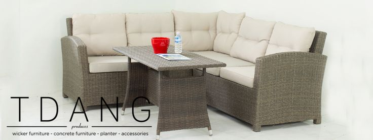 This Salinas wicker rattan furniture set is perfect for both indoor and outdoor…