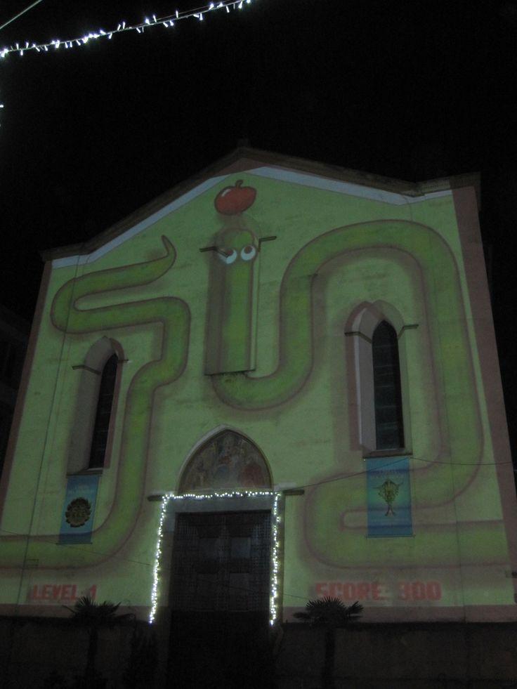 Spektakel op de voorgevel van de kerk van Sant'Ambrogio in Firenze