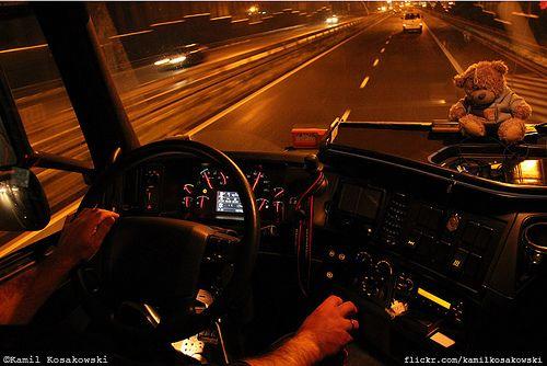 Volvo FH Globetrotter XL (3 Generacja)   {Bardzo fajna fotka Bardzo ciekawa fotka Bardzo ciekawe zdjęcie Bardzo fajne zdjęcie Lubię takie zdjęcia ;) Uwielbiam takie zdjęcia i sam nie wiem dlaczego ;) No, no, bardzo fajne No, no ciekawe ujęcie, co ? ;) Gdybym nie zobaczył to bym nie uwierzył