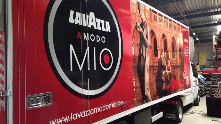 Rebranding Lavazza bedrijfswagens en trailer | Total Concept