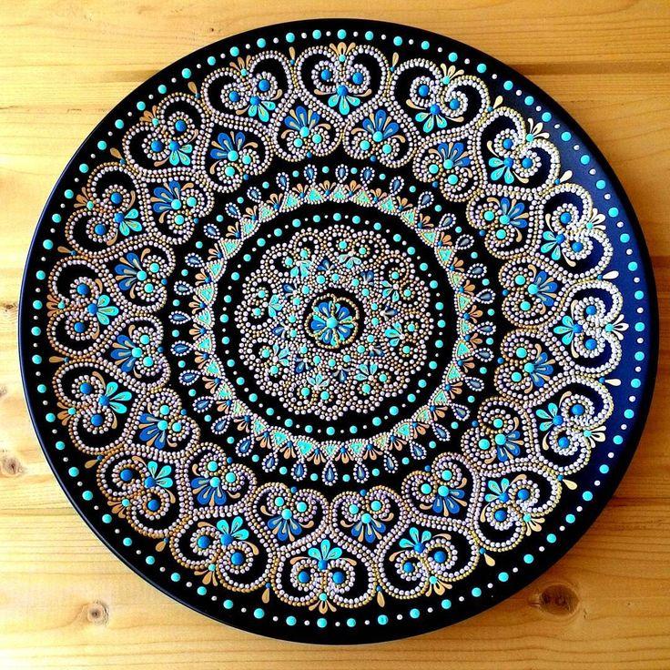 Тарелка декоративная керамическая, роспись акриловыми контурами Ручная работа