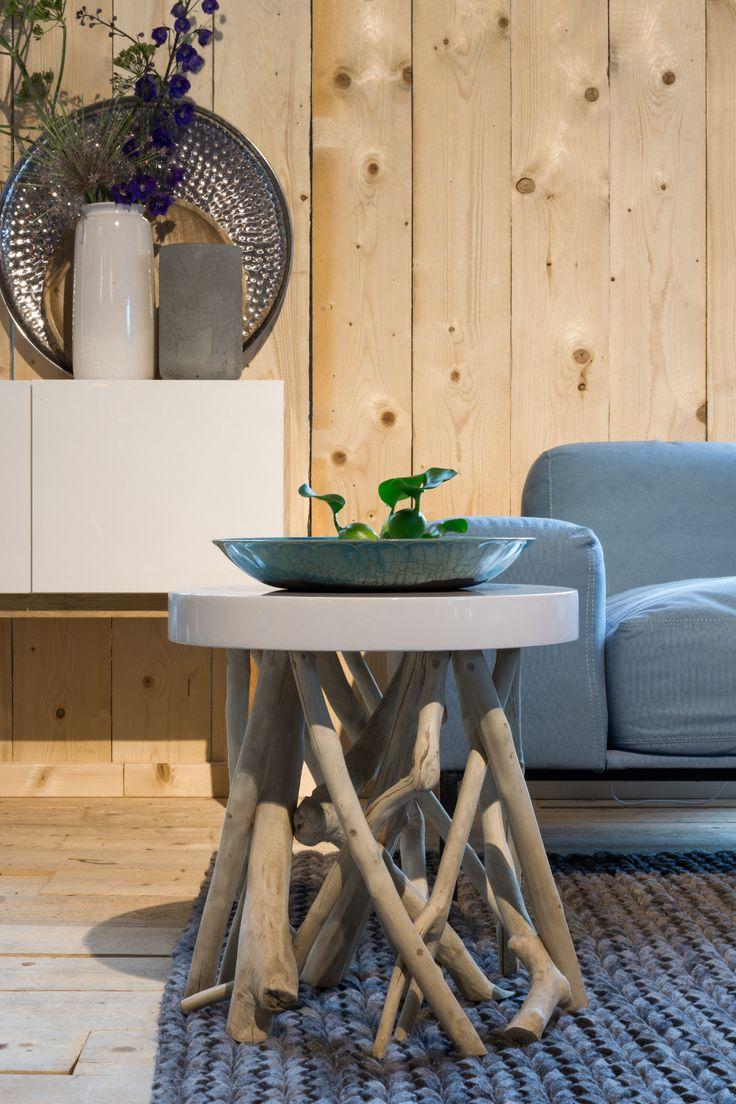 Origineel houten bijzettafeltje voor in de woonkamer #interior #wood