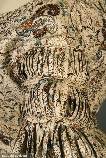 FLORAL PAISLEY MATERNITY DRESS, 1835-1840 - sleeve detail