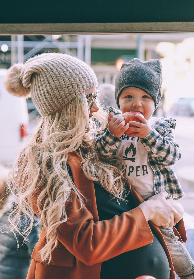 Mom and Baby Fall Fashion | Gwen with Jackson Leon Werth while pregnant with baby number two (Season 13)