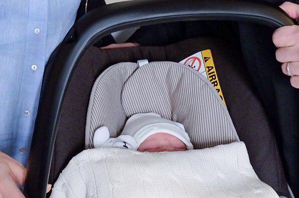 Prince Carl Philip and Princess Sofia Hellqvist with their newborn son. www.newmyroyals.com